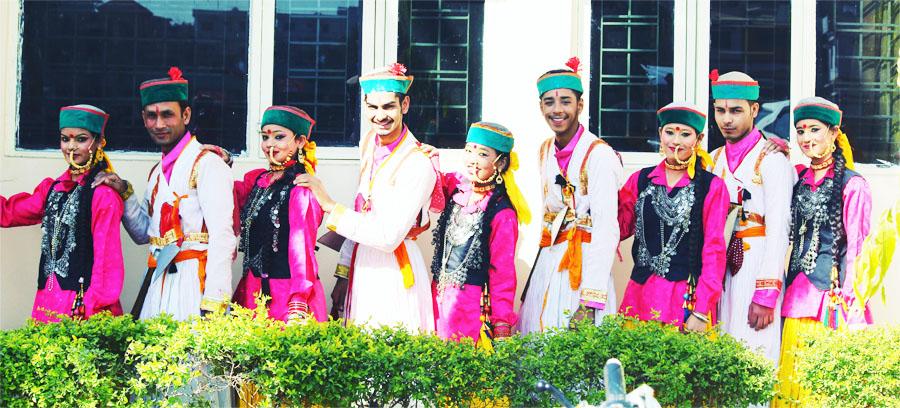 vinod aswal troupe