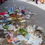 tourists-drop-garbage-in-rishikesh