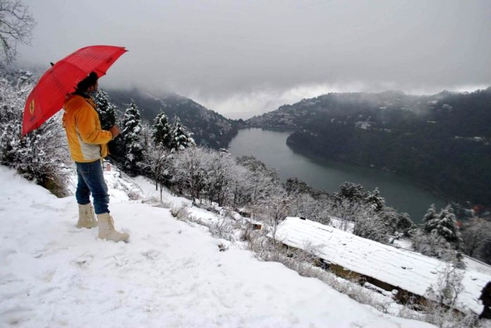 Heavy Snowfall in Uttarakahnd